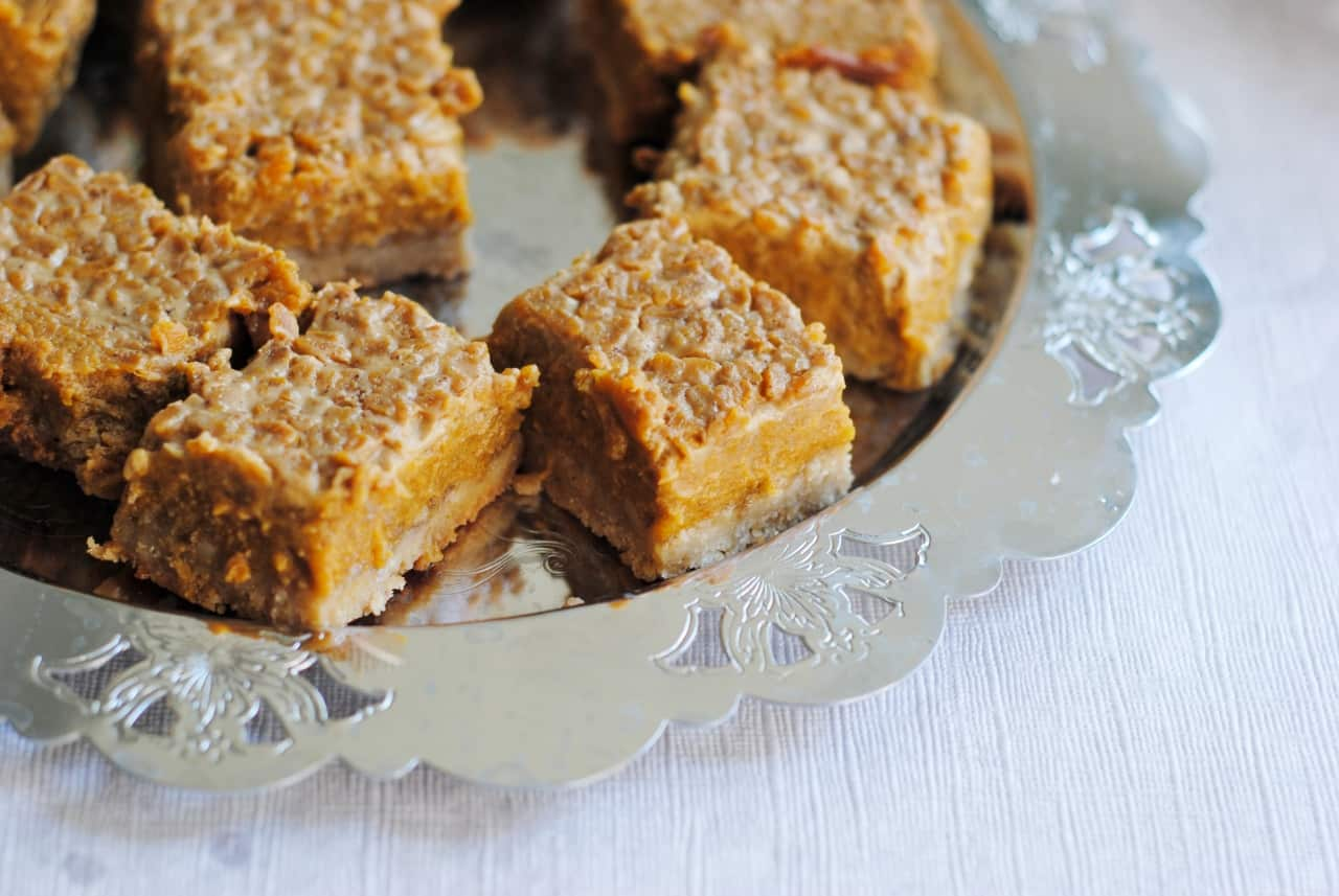 Honey pumpkin pie bars