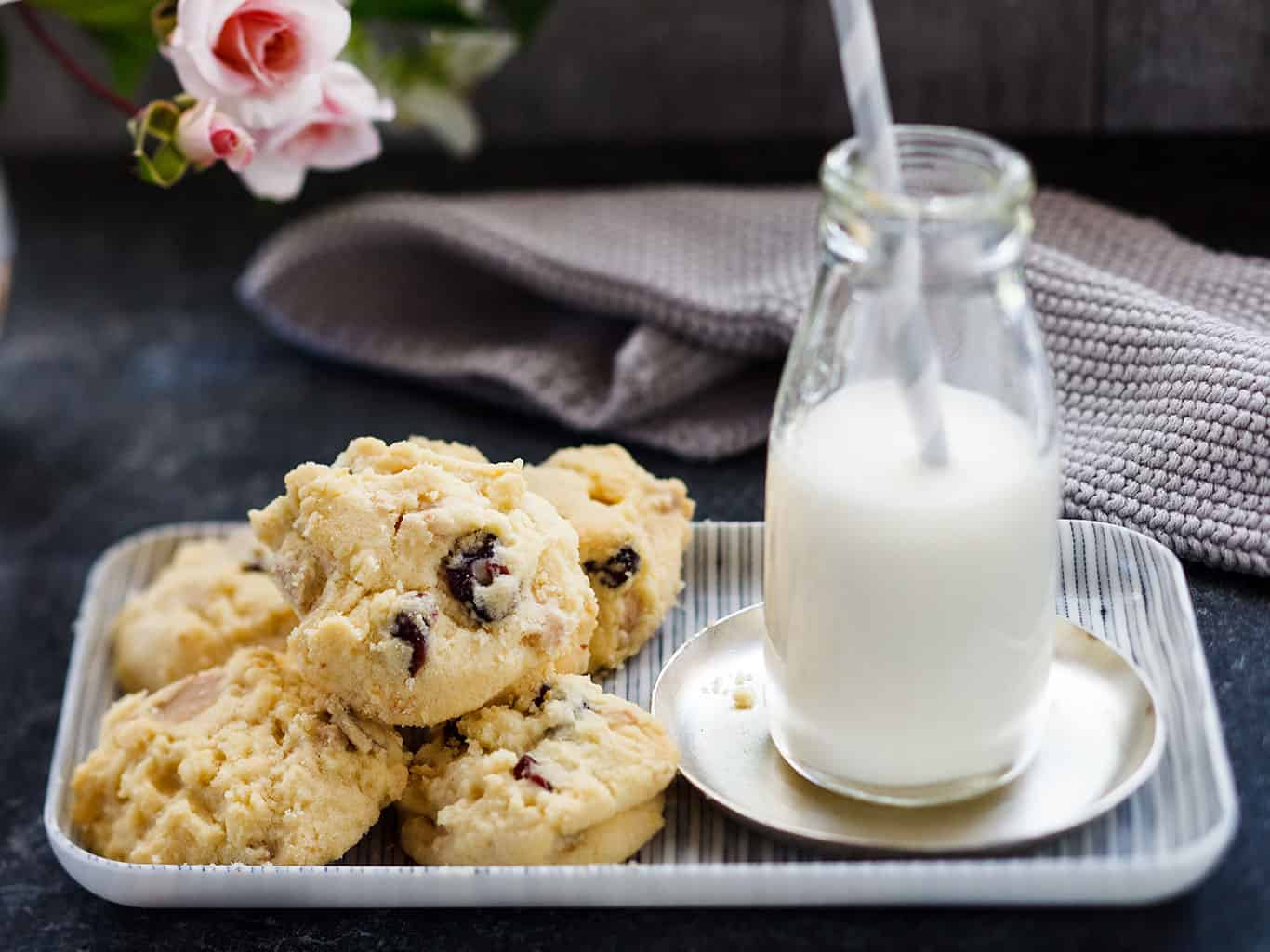 White chocolate and cranberry biscuits