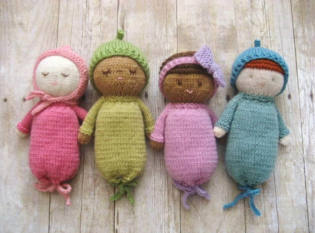Colourful knitted babies