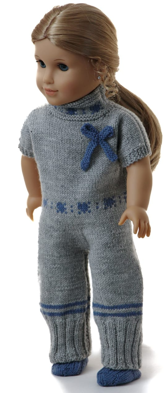 Knitted doll's lounge suit
