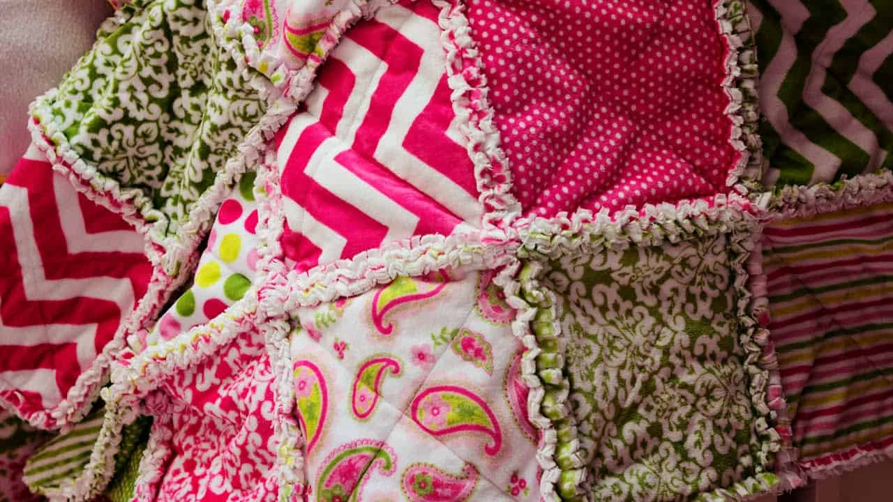 Ruffled rag quilt