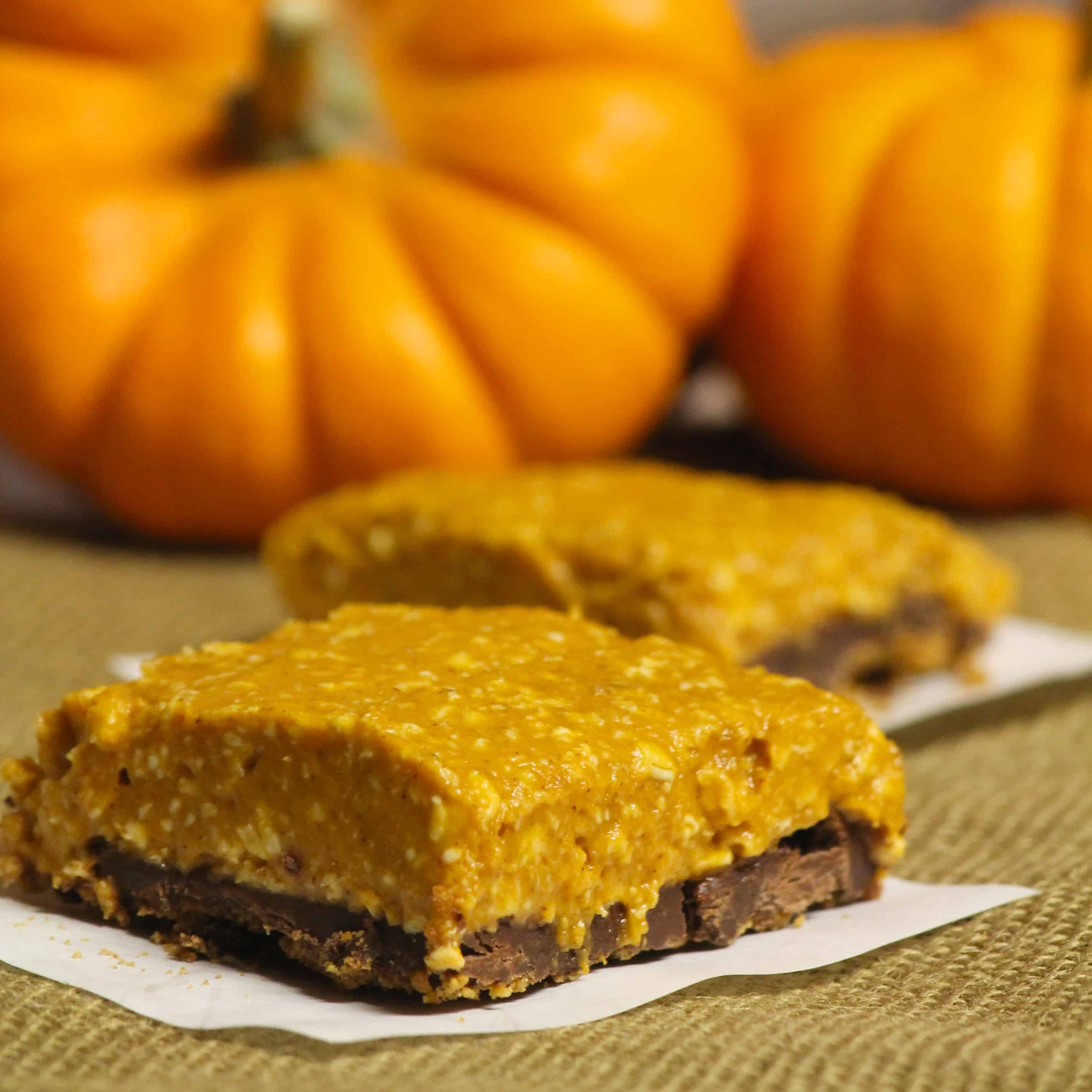 No bake vegan chocolate pumpkin pie