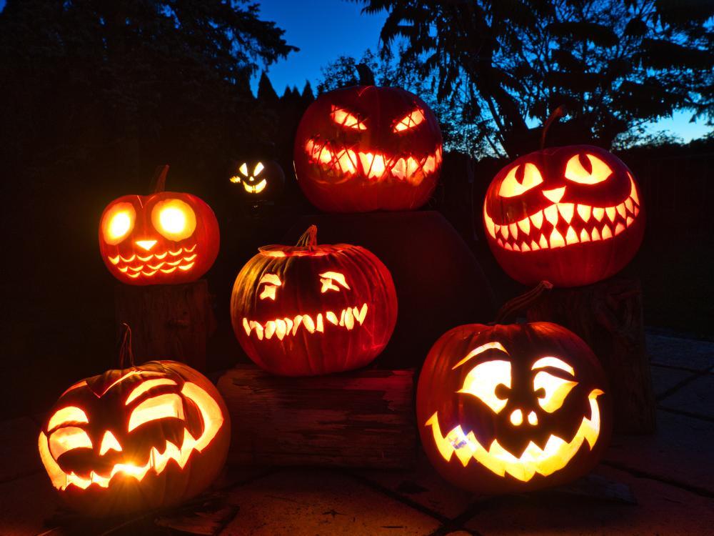 Halloween pumpkin decorating ideas the traditional jack o lantern