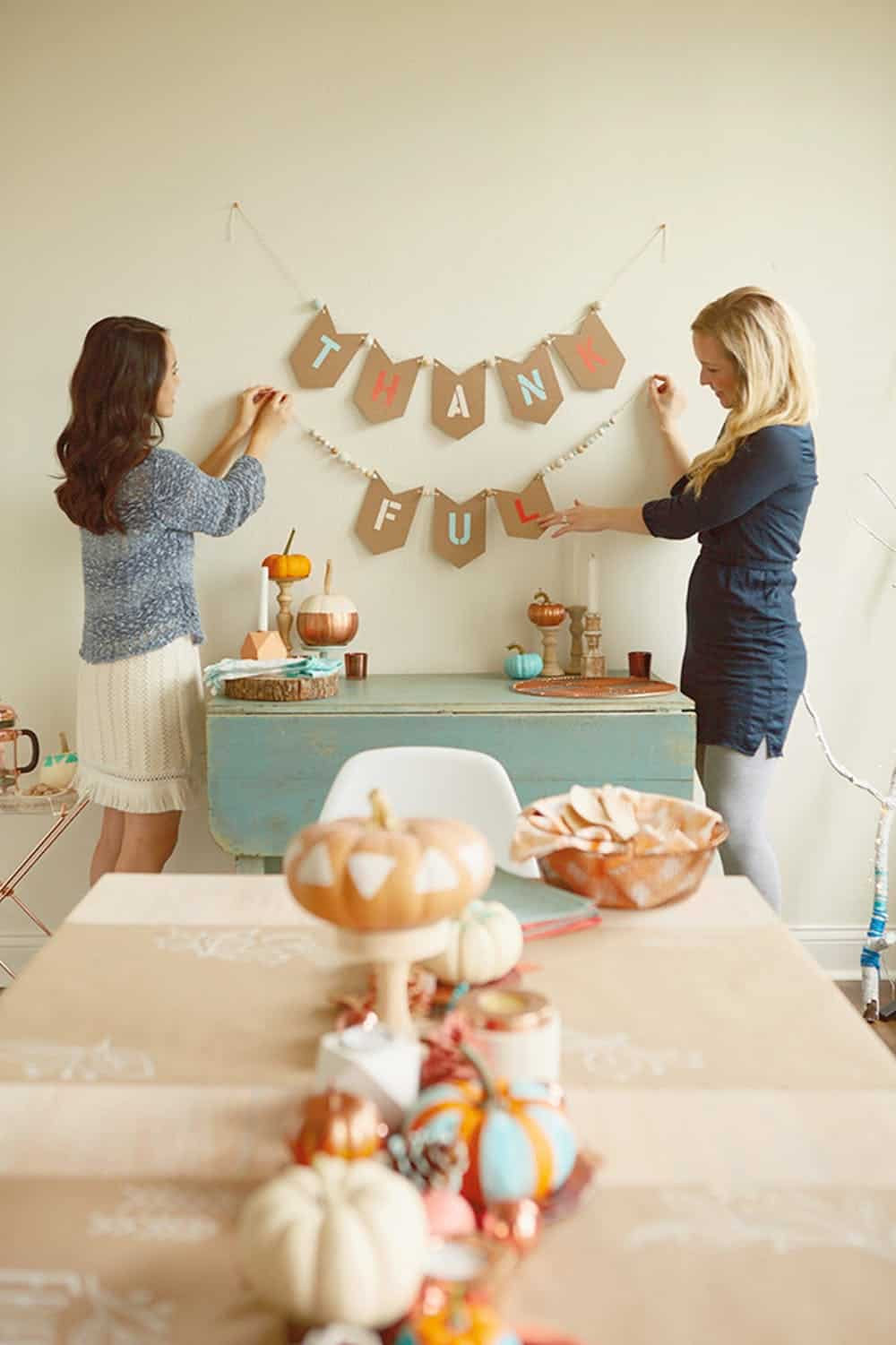 Diy thankful garland
