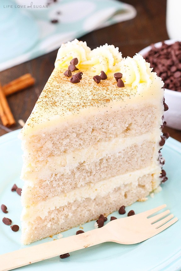 Cannoli layer cake with cinnamon sponge and mascarpone filling