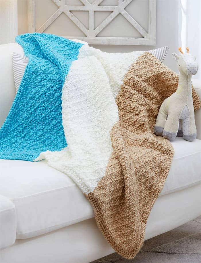 16004384b 15 Darling Knitted Baby Blanket Patterns