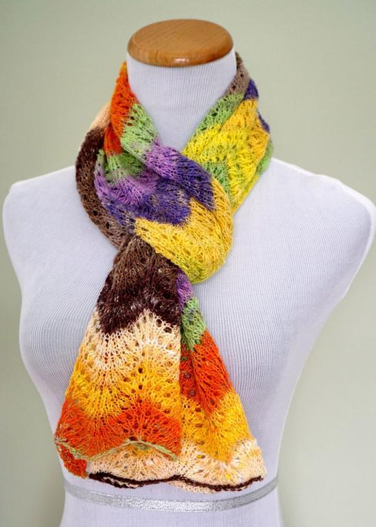 Feather and face lace scarf