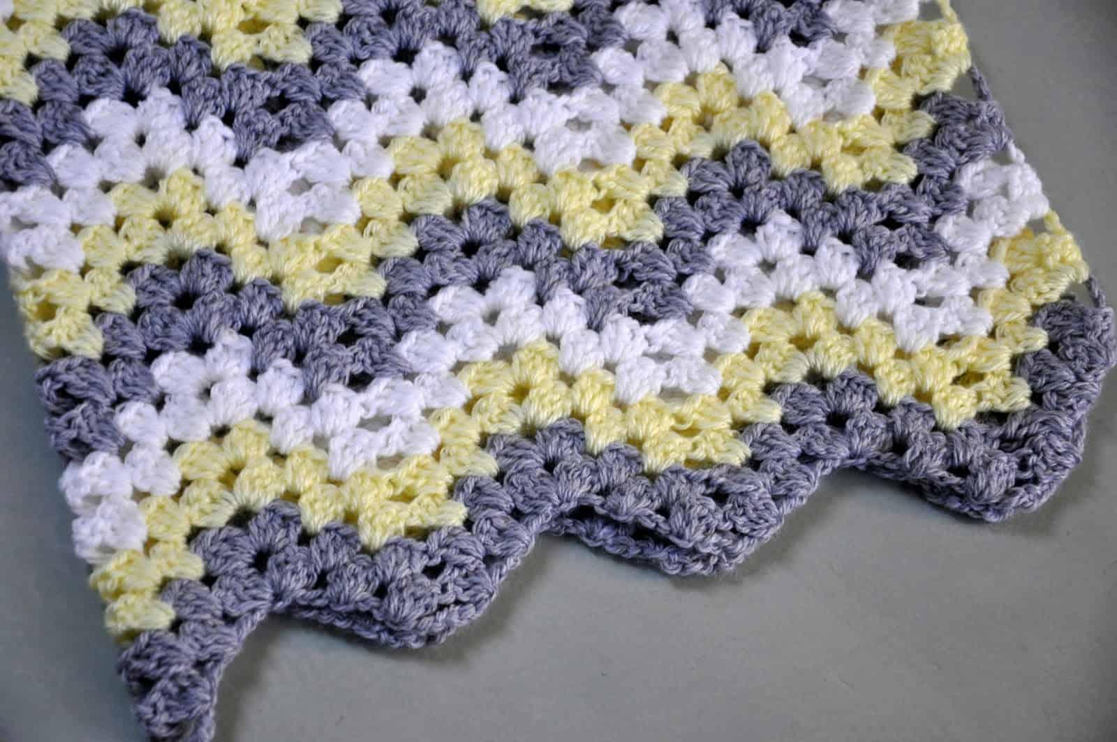 20 Easy Crochet Baby Blankets