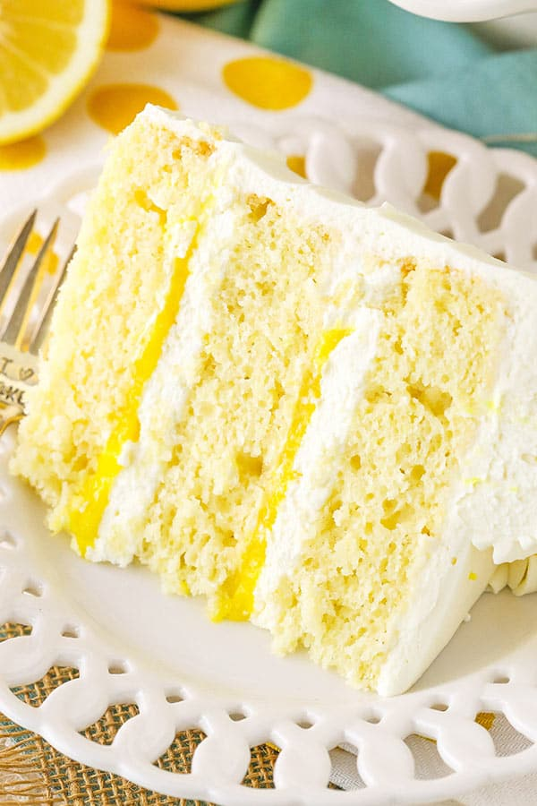 Lemon layer cake with lemon mascarpone filling