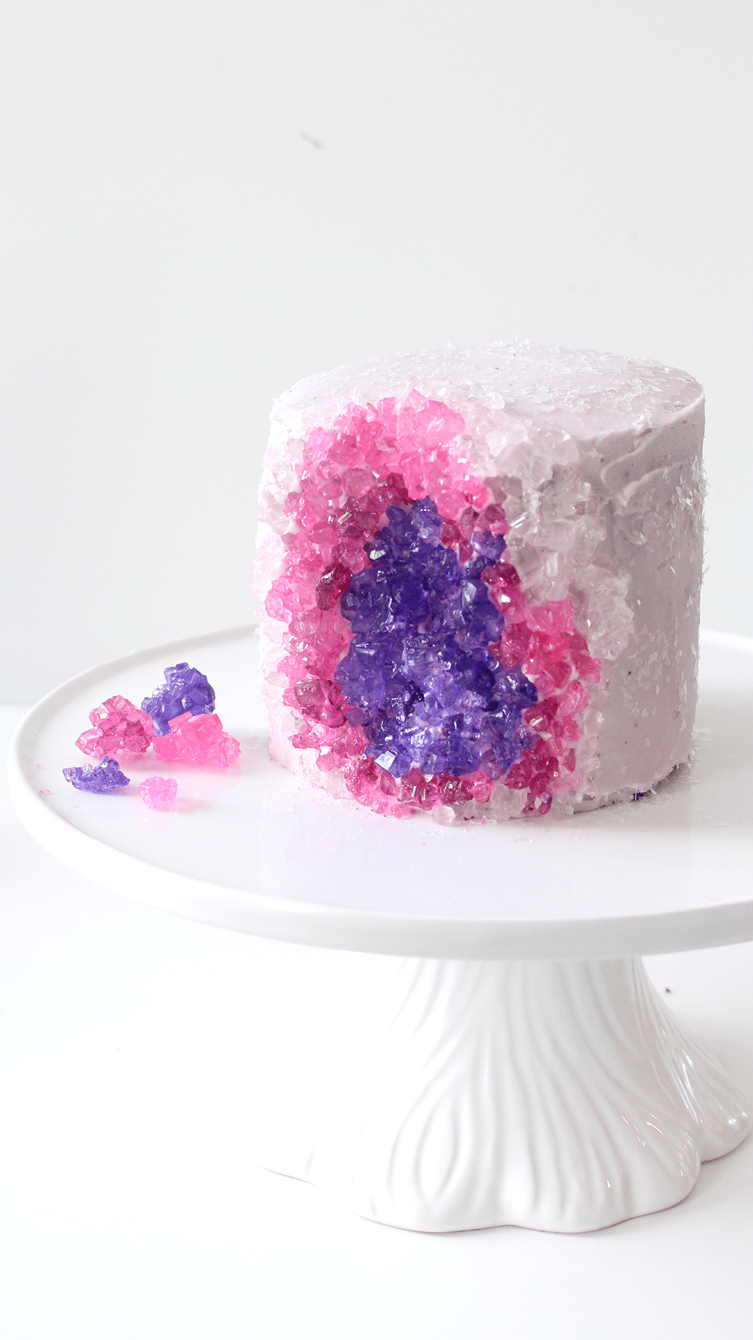Mini pink and purple geode cake