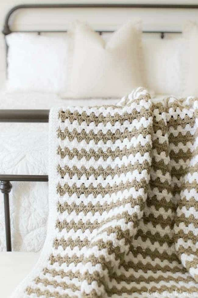Simple granny stripe afghan
