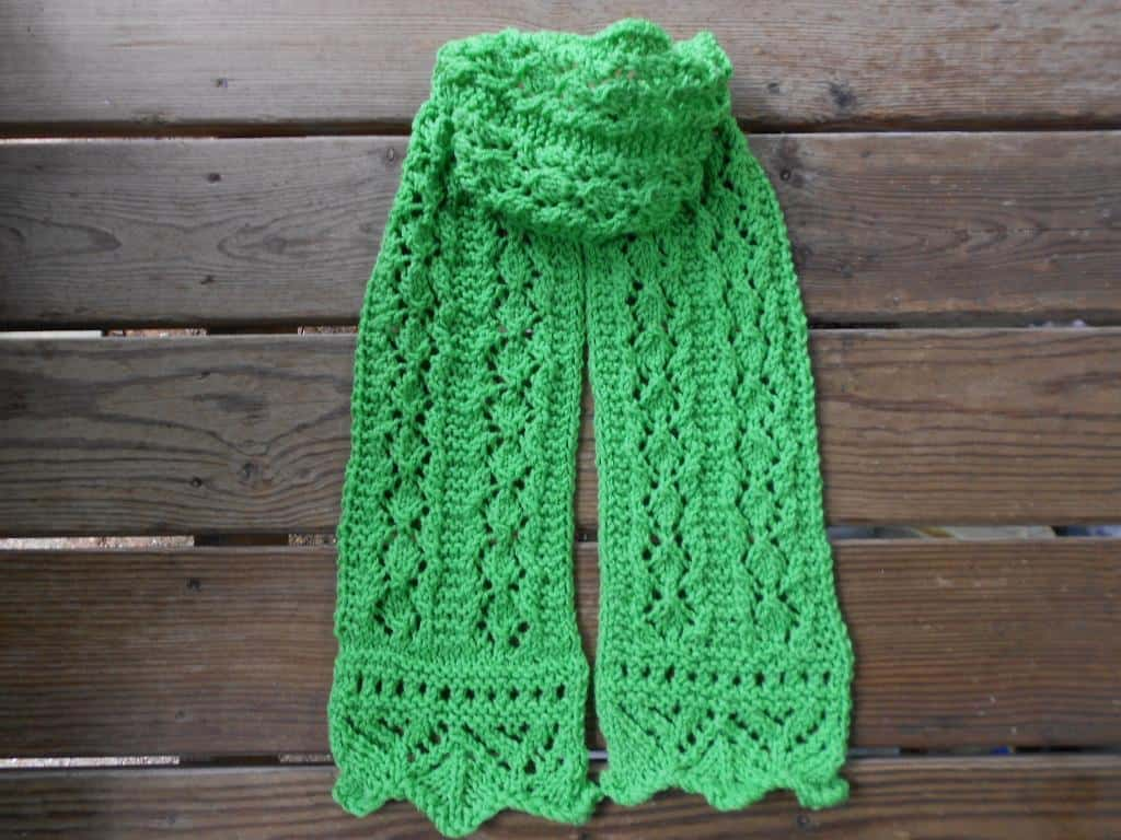 Spring moss lace scarf