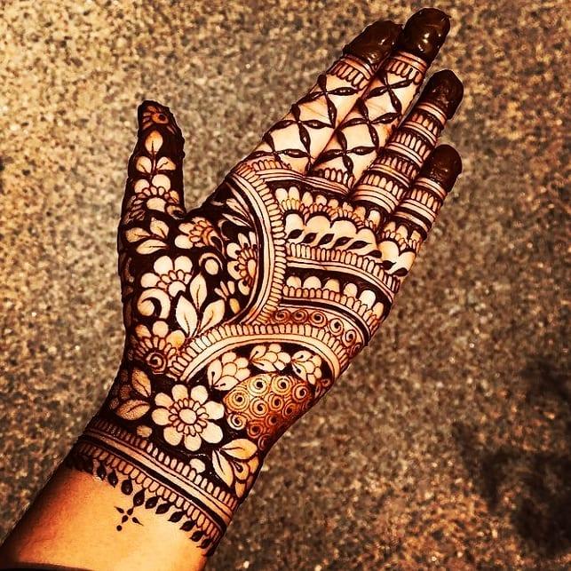 Bridal Perfection - Henna Hand Tattoo