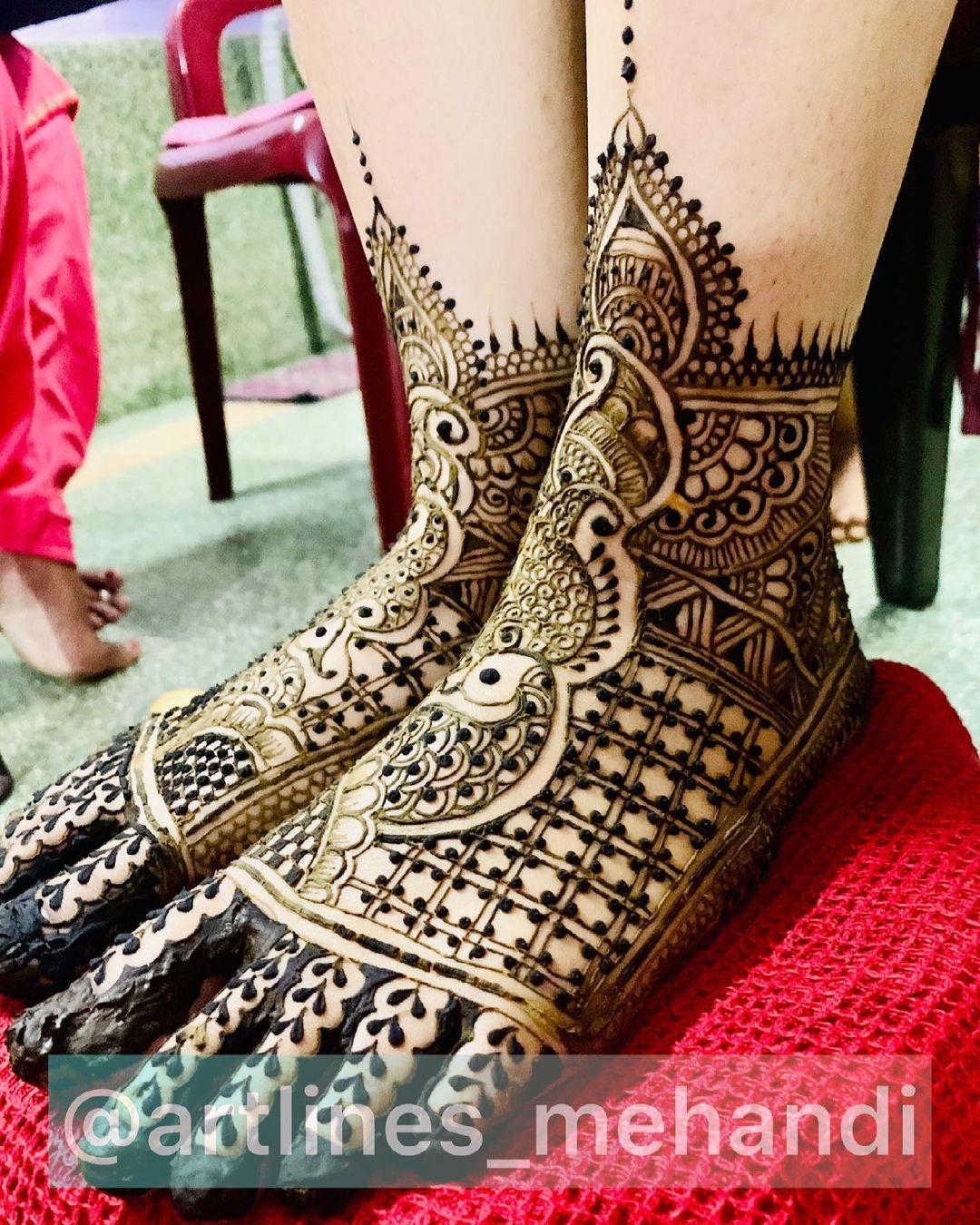 Henna Tattoo Ideas - Geometric Feet