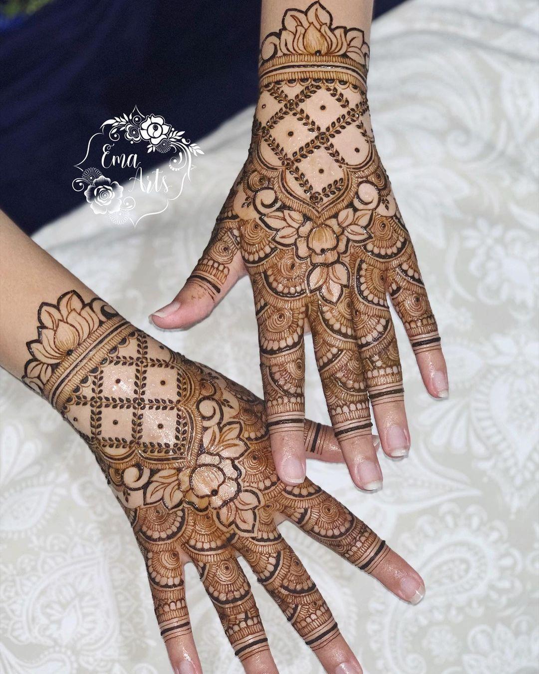 Golden Henna Design