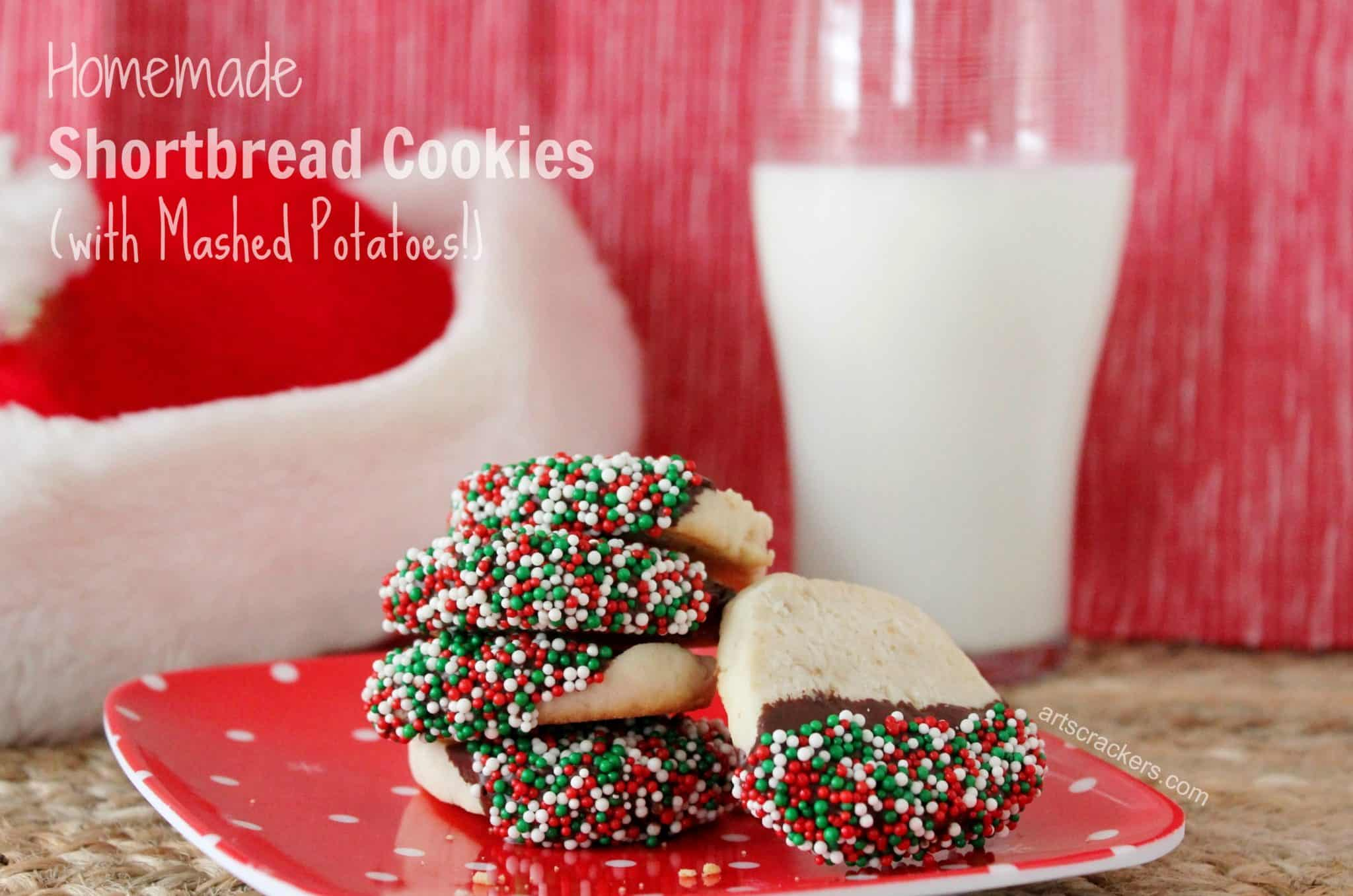 Homemade christmas shortbread cookies