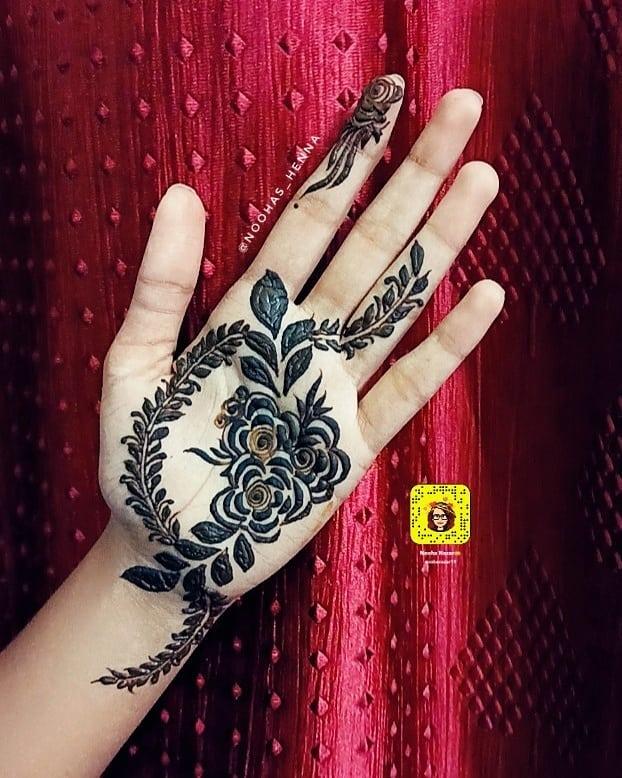 Intricate Flowers Easy Henna Design