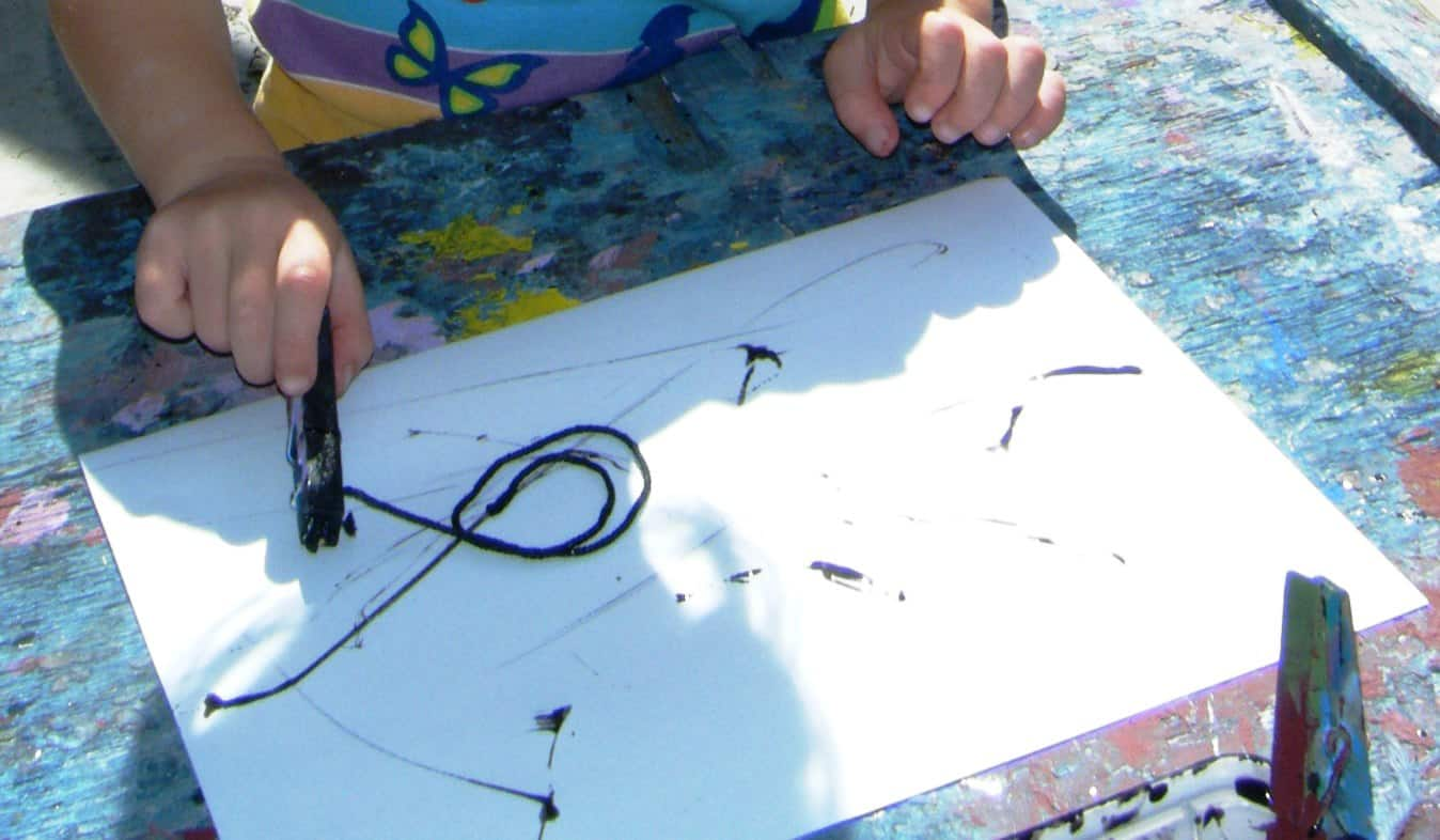 Painting with thicker string for kids