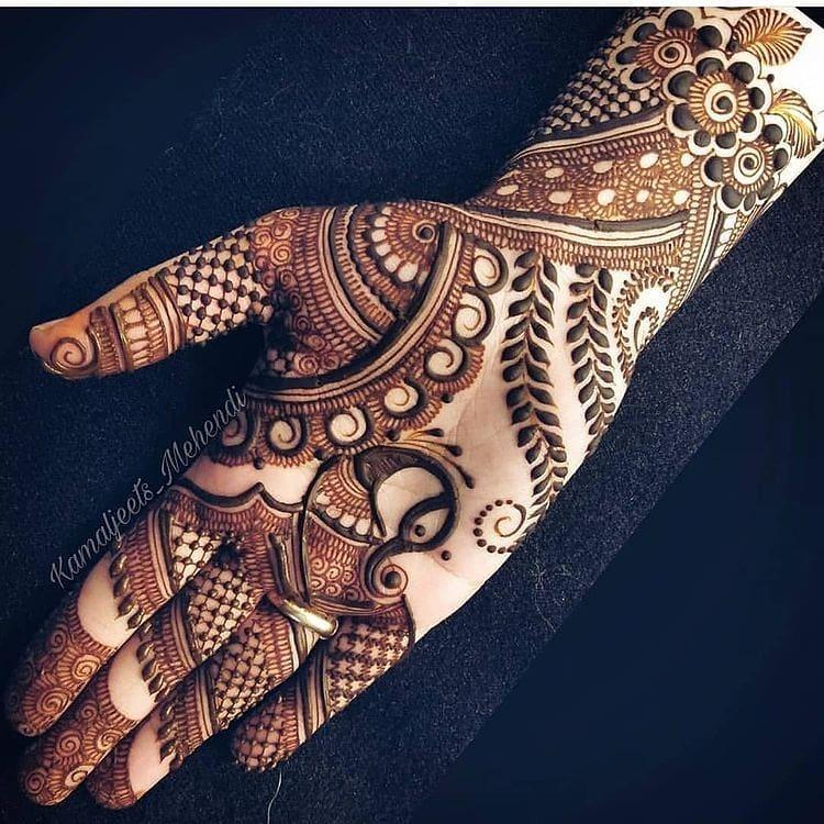 Perfect Lines Henna Tattoo