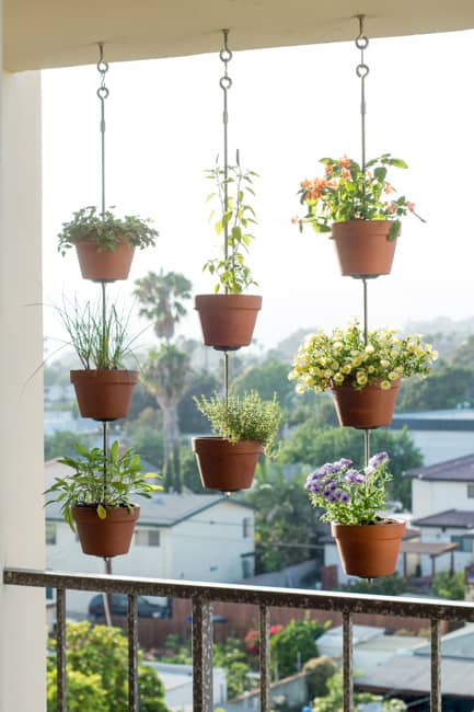 Vertical clay pot garden ropes