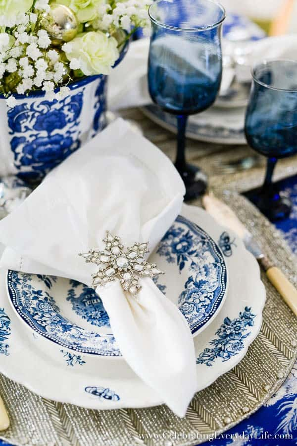 Blue and white christmas table