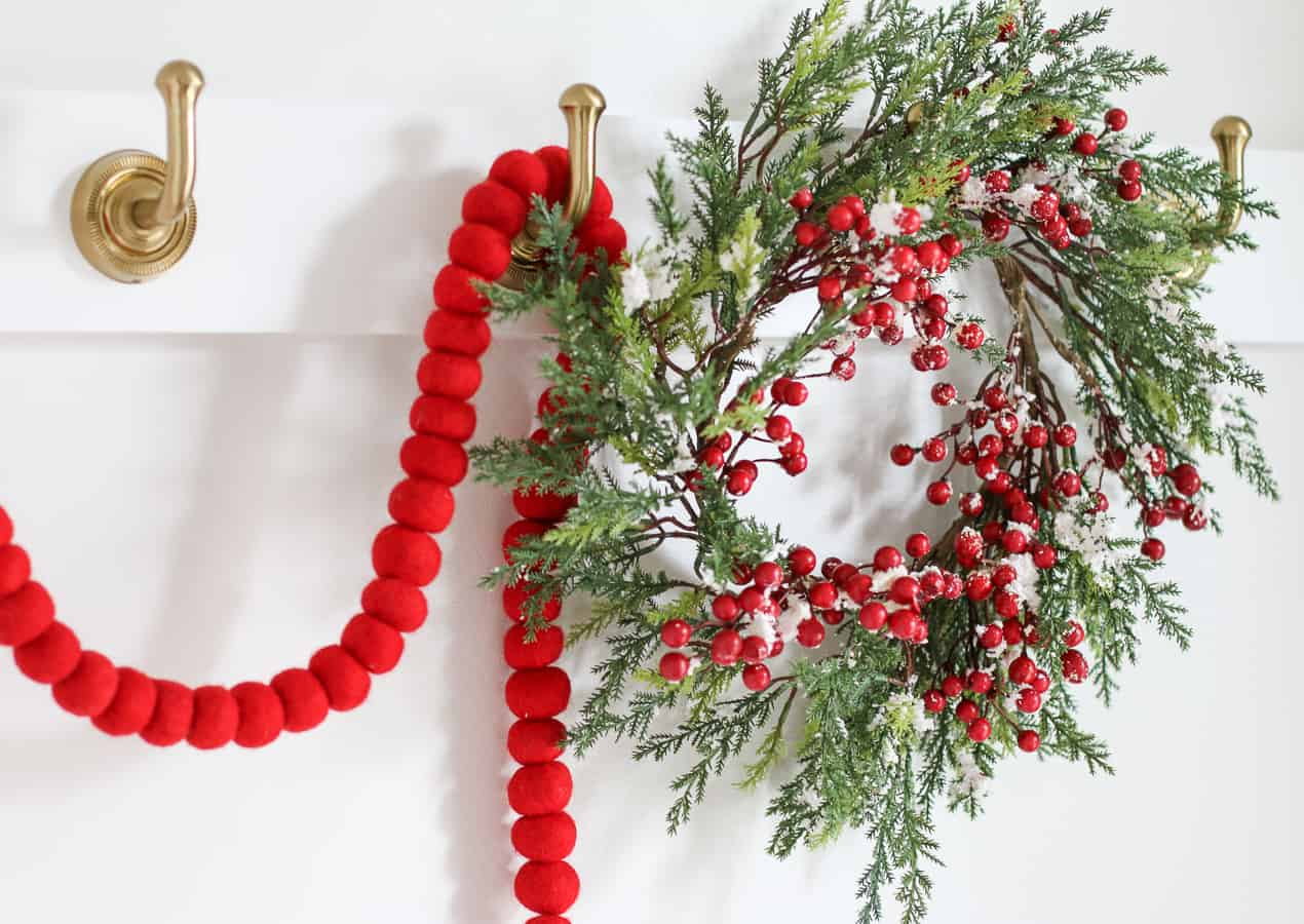 Christmas decor ideas with red