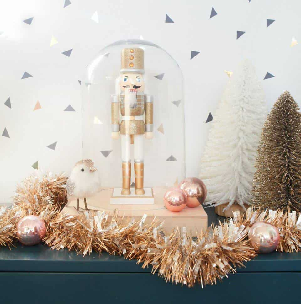 Golden nutcracker mantle