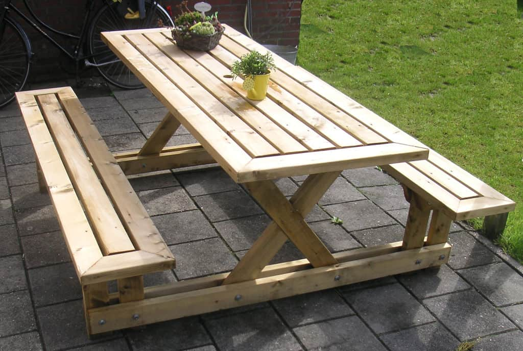 Singular frame picnic table