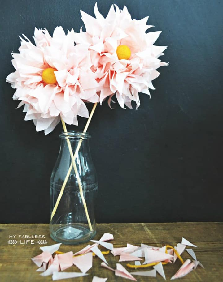 Voluminous tissue paper flowers