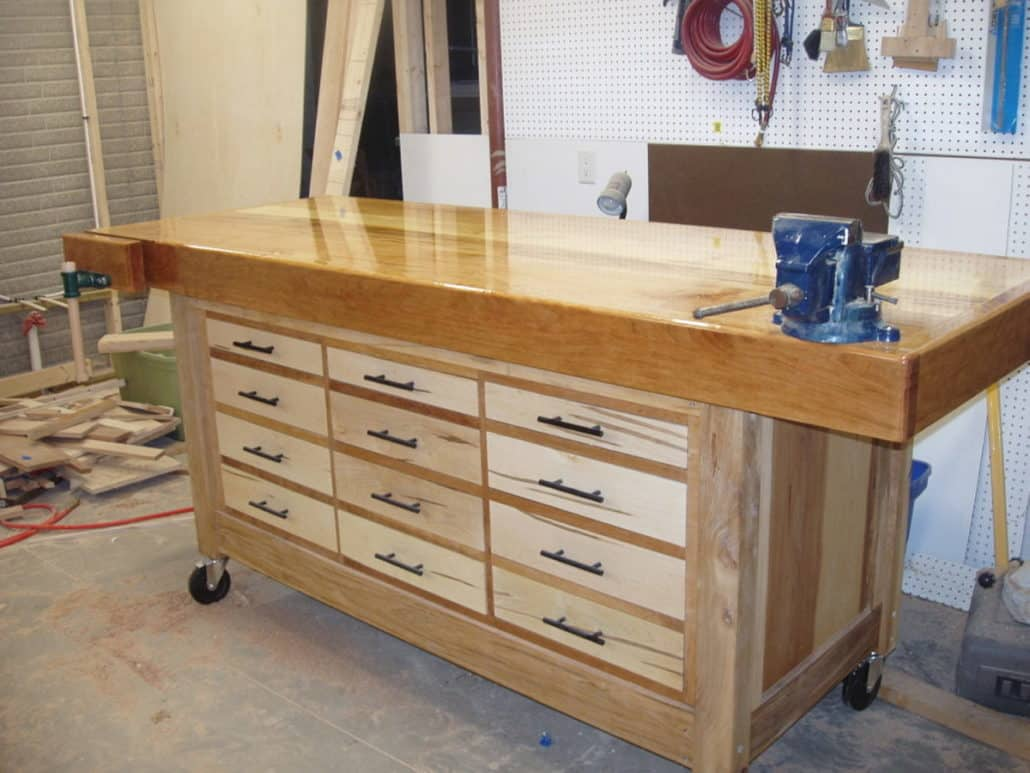 Customized workbench with drawers
