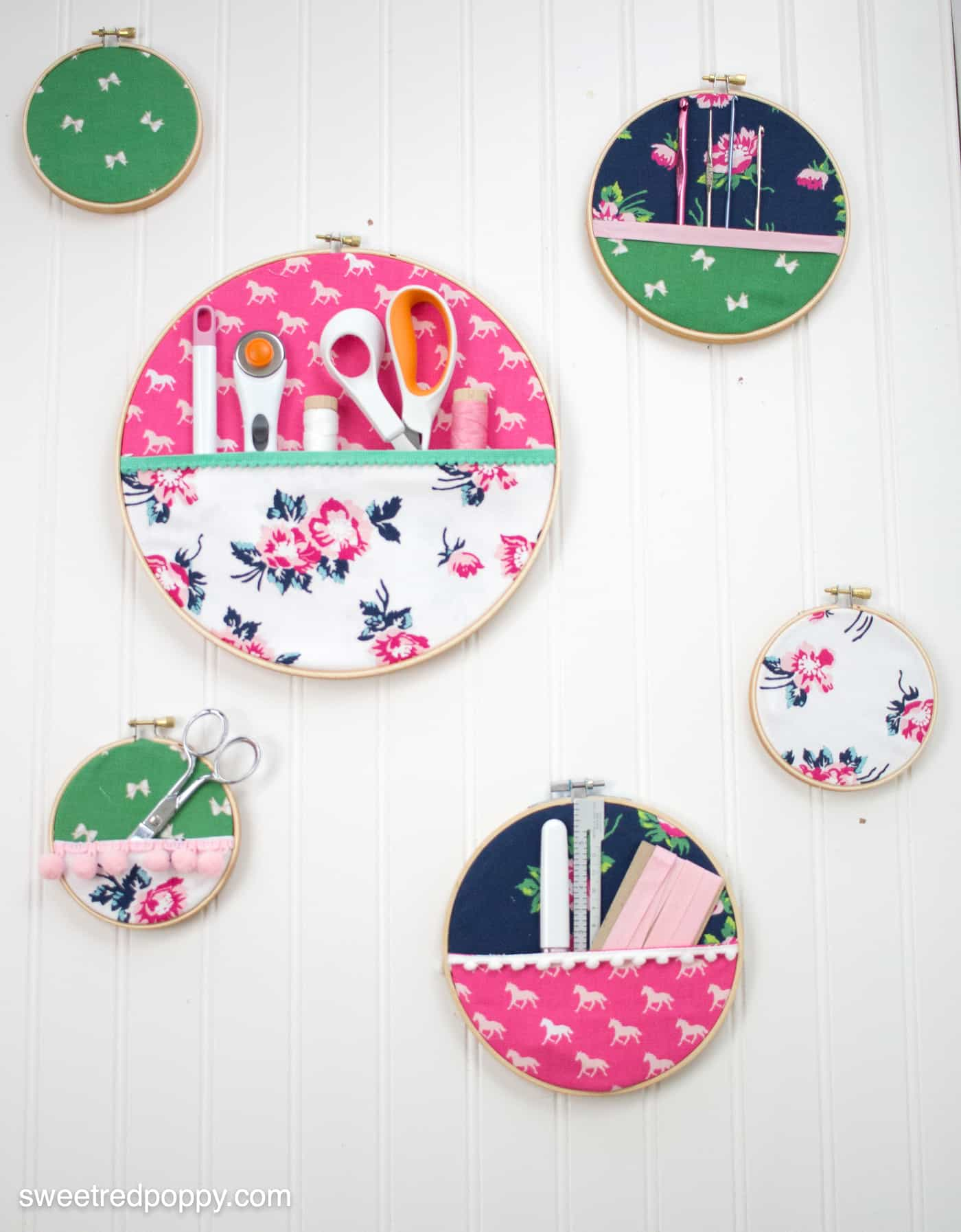 Embroidery hoop pocket organizer