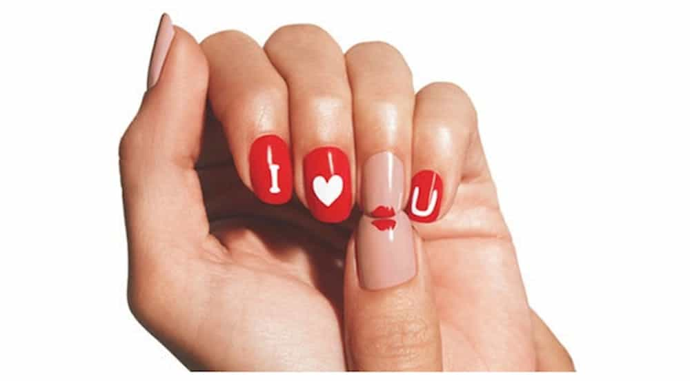 I love you and kiss nail design