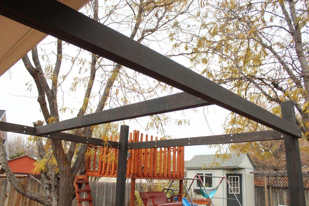 Modern pergola frame