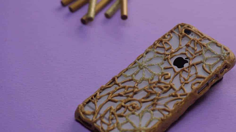 Custom hot glue phone case