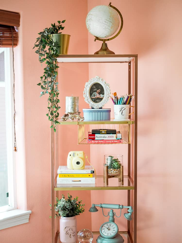 Diy bookshelf with shelves
