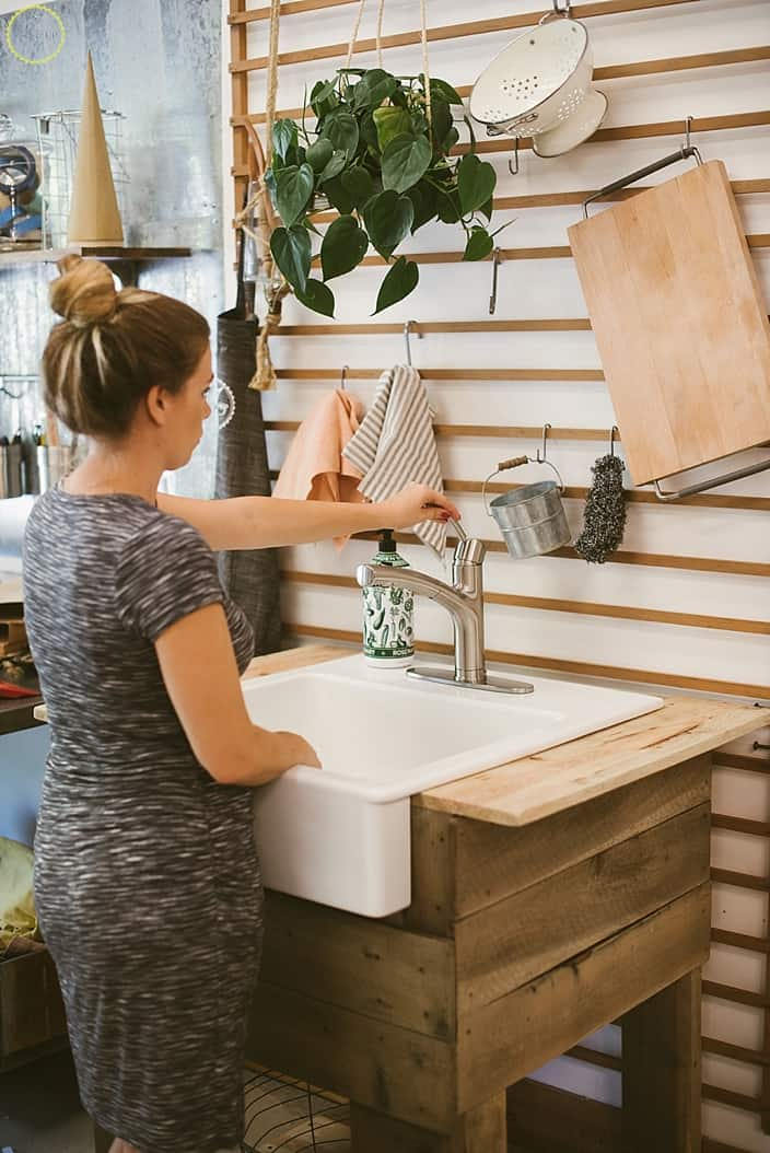 Diy standing farmhouse sink