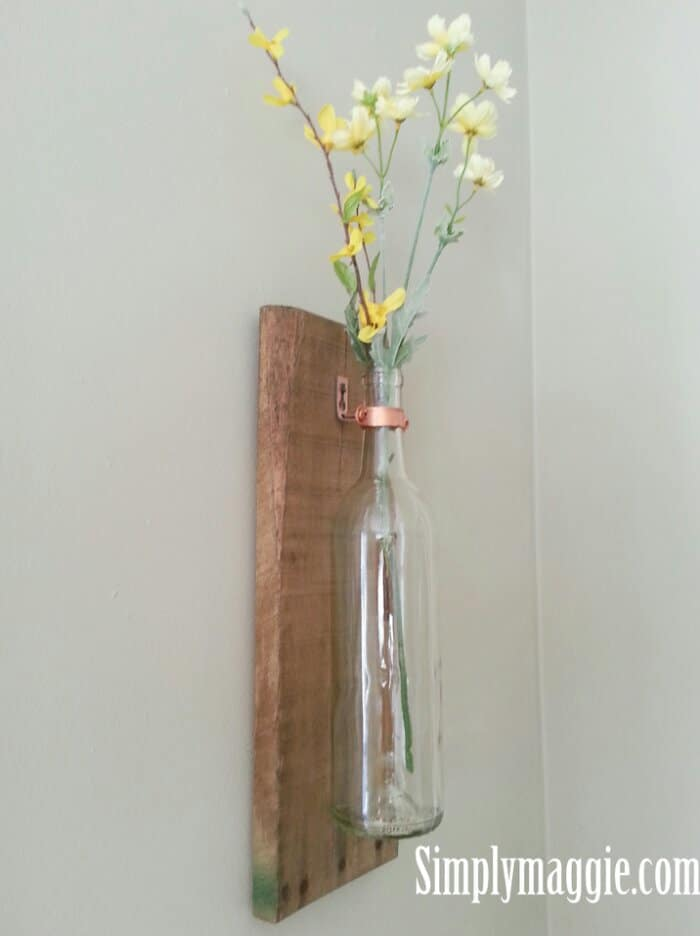 Diy wine bottle and pallet vase
