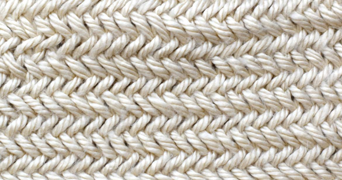 Knitting the herringbone stitch