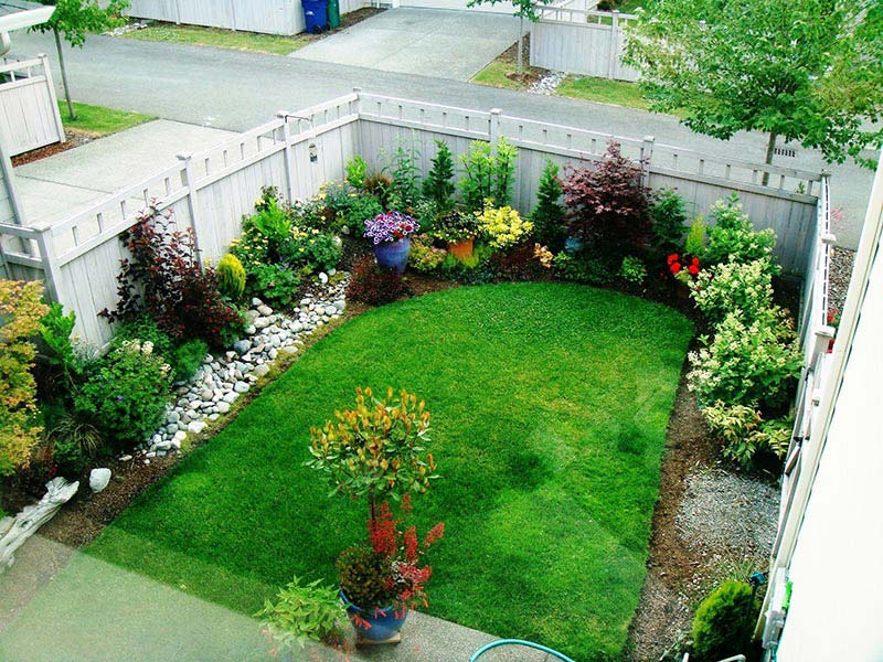 Landscaping guides for a small lawn