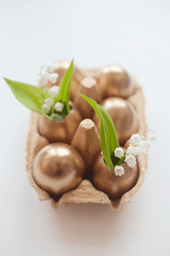 Mini golden egg carton vases