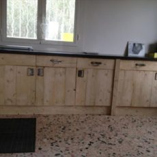 Pallet wood kitchen cupboards