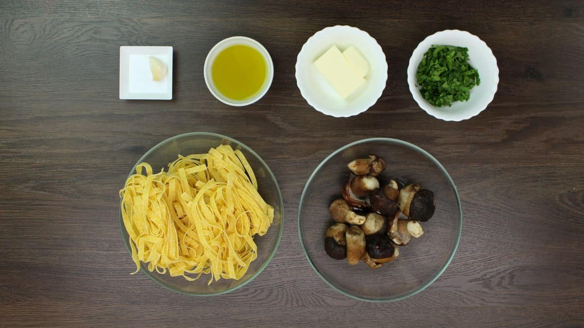 Tagliatelle with porcini mushrooms ingredients