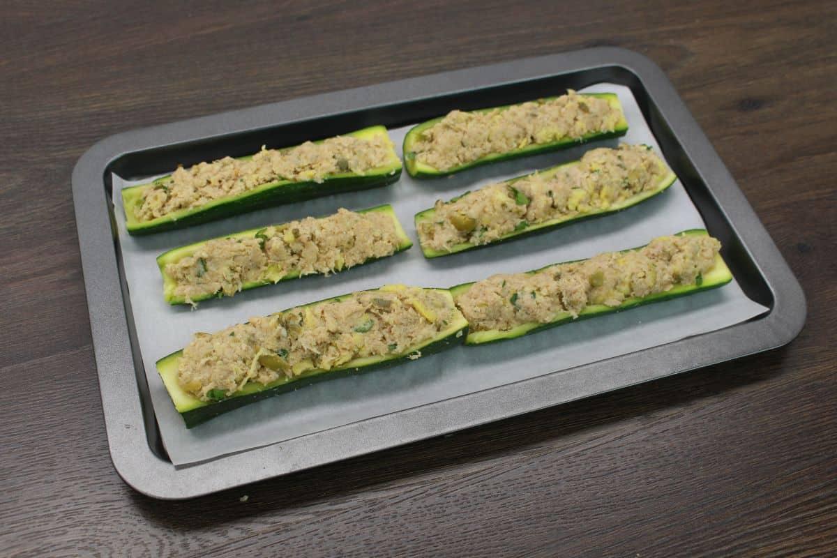 Zucchini stuffed with tuna prepare for oven