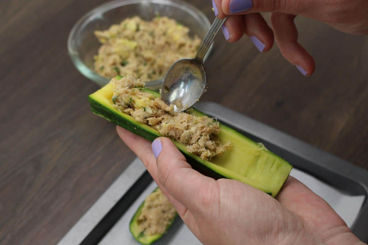 Zucchini stuffed with tuna stuff