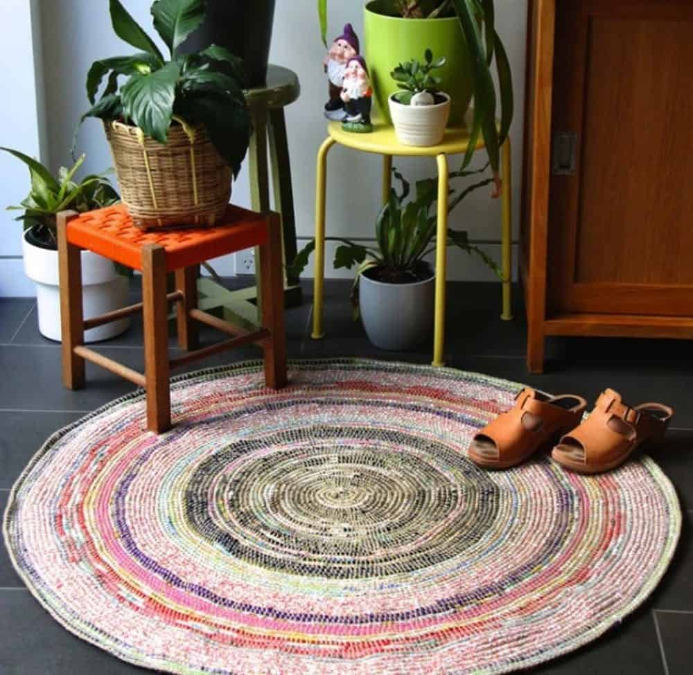 Diy coil crochet rug