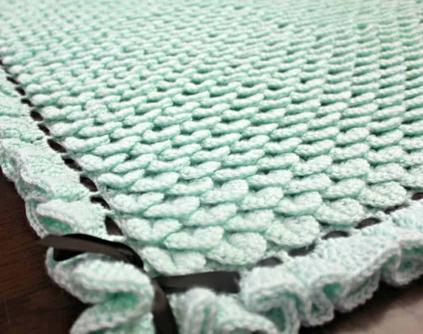 Crocodile stitch baby blanket with ribbon