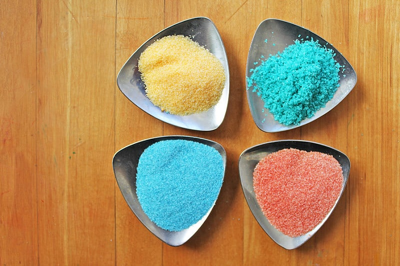 Diy coloured salt