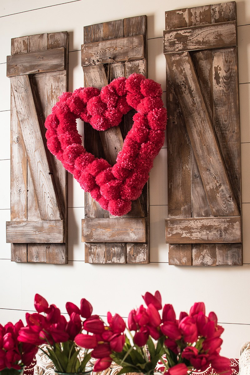 Heart pom pom wreath