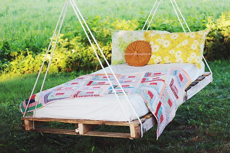 Pallette swing bed