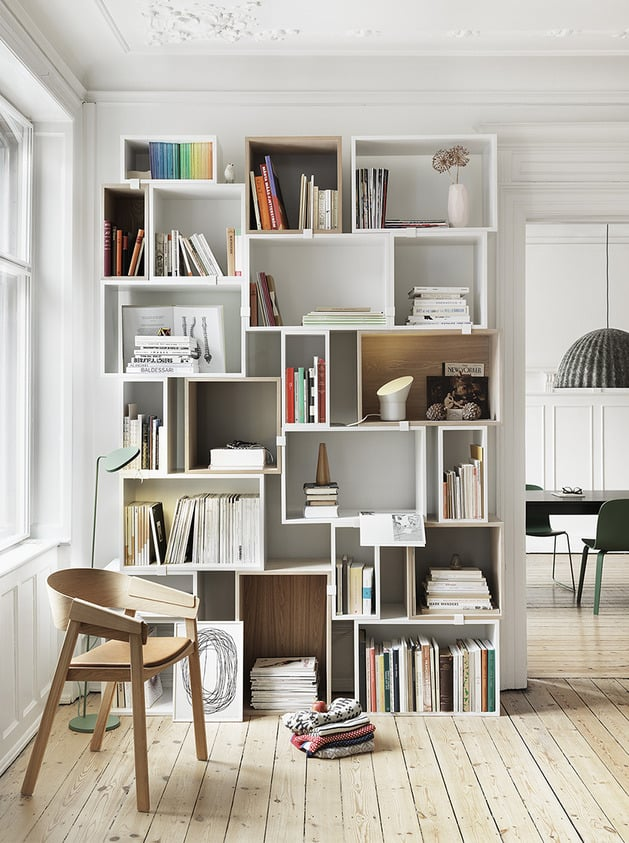 Planned but randomized stacked shelving